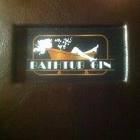 Foto tomada en Bathtub Gin por Summer B. el 11/11/2012