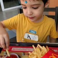Foto diambil di McDonald's oleh Jorge H. pada 4/4/2016
