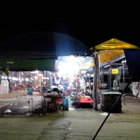 Photo taken at ตลาดนัดเปิดท้าย by SnOoKeR M. on 8/16/2013