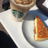 3/21/2017 tarihinde Kübra E.ziyaretçi tarafından Starbucks'de çekilen fotoğraf
