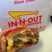Photo taken at In-N-Out Burger by Sashka L. on 4/13/2013