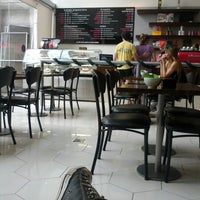 Photo taken at Suplicy Cafés Especiais by Renato M. on 12/16/2012
