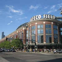 Foto tirada no(a) Safeco Field por Stadium Journey em 6/29/2013