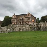 รูปภาพถ่ายที่ Palacio de Sobrellano โดย Jesus L. เมื่อ 9/17/2017