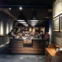Das Foto wurde bei The Roastery by Nozy Coffee von Johann K. am 10/11/2013 aufgenommen