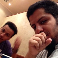 Photo taken at Hardee's sultana- almadinah by Thamer A. on 8/16/2014