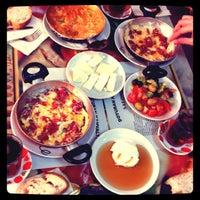 3/2/2013 tarihinde Taner T.ziyaretçi tarafından Doyuran Kahvaltı Salonu'de çekilen fotoğraf
