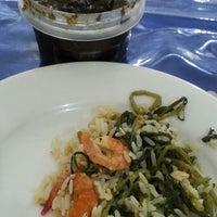 Photo taken at Restaurante Batelão by Waldson S. on 10/3/2013
