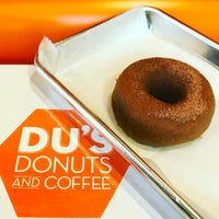 Photo taken at Du's Donuts And Coffee by Pichet O. on 5/13/2017