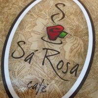 Foto tirada no(a) Sá Rosa Café por Luis Henrique J. em 12/9/2012