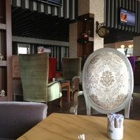 6/2/2013 tarihinde Ural P.ziyaretçi tarafından N10 Cafe'de çekilen fotoğraf