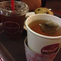 Photo taken at Hollys Coffee by Cathe T. on 2/20/2013