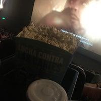 Das Foto wurde bei IMAX Cine Hoyts Plaza Egaña von Yoriany M. am 2/17/2018 aufgenommen