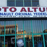 Photo taken at Oto Altun by Seyyid A. on 10/8/2013