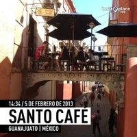 Foto tomada en Santo Café por Ozkar R. el 2/5/2013
