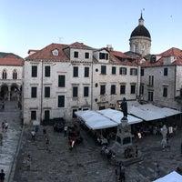 Foto scattata a Hotel Pucić Palace da Bilge E. il 7/2/2017
