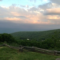 Foto scattata a Wintergarden Spa da Ashlee C. il 6/16/2013