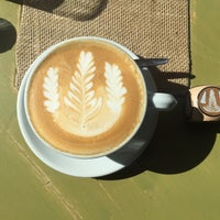 Das Foto wurde bei Die Kaffee Privatrösterei von Elena P. am 10/12/2017 aufgenommen