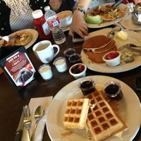 Photo taken at Mimi's Cafe by Lamya on 8/8/2013