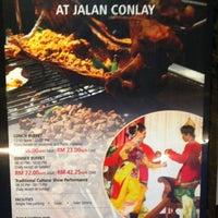 Photo taken at Restoran Seri Melayu by Luq'man on 4/10/2013