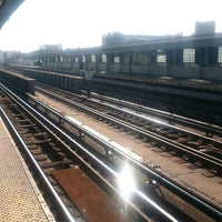 Photo taken at MTA Subway - 33rd St/Rawson St (7) by Peter B. on 10/5/2017