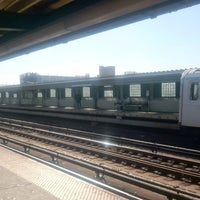 Photo taken at MTA Subway - 33rd St/Rawson St (7) by Peter B. on 10/4/2017