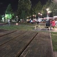 Das Foto wurde bei Aliya İzzet Begoviç Parkı von Ünal Ç. am 8/8/2018 aufgenommen