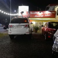 Photo taken at Diner's Original Bulalo, Tagaytay by Pia L. on 9/4/2016