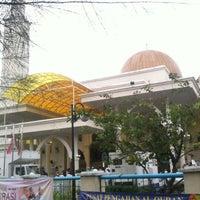 Photo taken at Masjid As-Salam (مسجد السلام) by Luqman A. on 10/25/2012