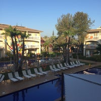 Photo taken at Aparthotel Zafiro C'an Picafort by the putsmeister on 9/12/2016