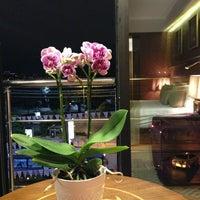 Photo taken at Nixon Bosphorus Hotel by Duygu Ö. on 9/20/2013