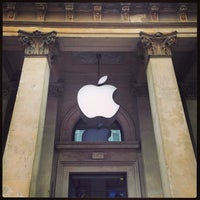 Photo taken at Apple Buchanan Street by Hungju L. on 6/29/2013