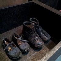 Foto tirada no(a) Museu do Holocausto de Curitiba por Carlinhos R. em 11/22/2013