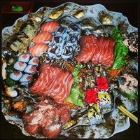 Foto tirada no(a) DJOY Japanese Food por Jhunior G. em 2/13/2013