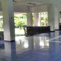 Photo taken at Fakultas Psikologi by Rizal Nustrat Adi A. on 6/11/2013