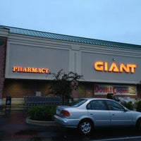 Photo taken at Giant Food Store by Dana S. on 6/8/2013