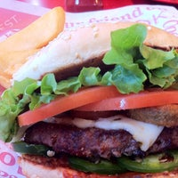 Photo taken at Red Robin Gourmet Burgers by Aaron G. on 1/23/2013