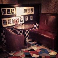 Снимок сделан в Traveler's Coffee пользователем Алиса Е. 3/20/2013
