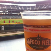 Foto tirada no(a) The 'Pen at Safeco Field por TB B. em 10/2/2012