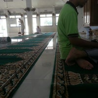 Photo taken at Masjid Tanjung Kapor by Mohd N. on 1/27/2013