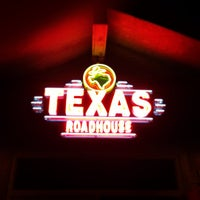 Photo taken at Texas Roadhouse by Omid L. on 3/23/2013