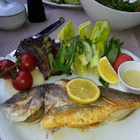 รูปภาพถ่ายที่ Cheffy Dünya Mutfağı โดย Özge M. เมื่อ 4/6/2013