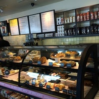 Photo taken at Starbucks by Genti P. on 7/30/2014