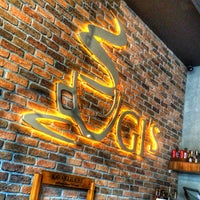 7/26/2015 tarihinde Agah K.ziyaretçi tarafından Ugi's Cafe & Bistro'de çekilen fotoğraf