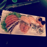 Photo taken at Hakka Sushi by João  Eduardo ✡ R. on 2/12/2014