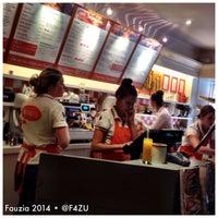 Photo taken at Boosty by Fauzia J. on 11/5/2014