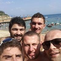Photo taken at Narlı Beach Club by Furkan G. on 7/29/2014