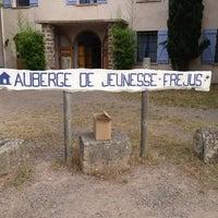 Photo taken at Auberge de Jeunesse by Viktoria Z. on 7/3/2013
