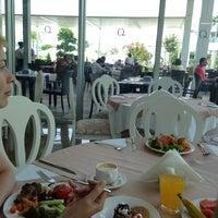 5/22/2013 tarihinde Игорь А.ziyaretçi tarafından Q Premium Restaurant'de çekilen fotoğraf