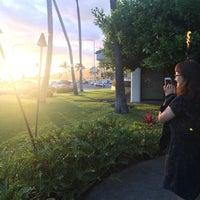 Photo taken at Roy's Hawaii Kai (The Original) by Jeff C. on 2/18/2017